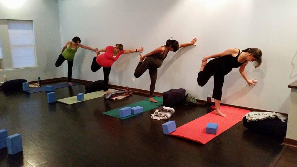 prenatal yoga quad stretch